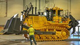 Loading and moving a Komatsu D375Ai bulldozer